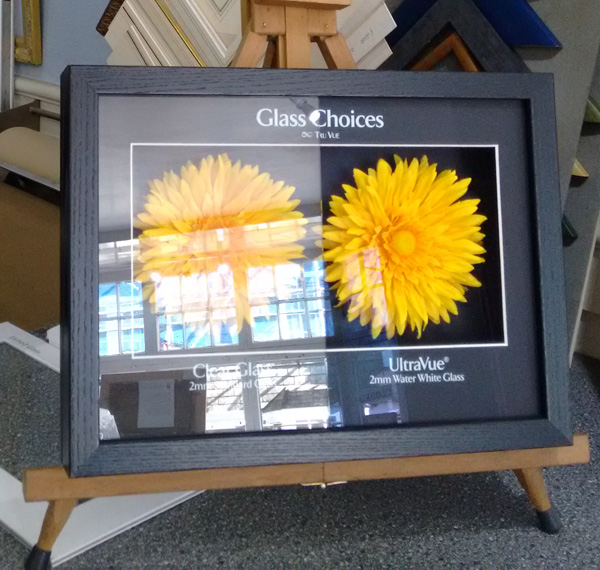 Antiglare clear glass for picture frames